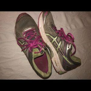 Asics Shoes - Used ASICS women's GT-1000 4 Running sneaker